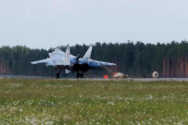 Микоян-Гуревич МиГ-31 (RF-95200 / 58 красный) D806882eD806543e