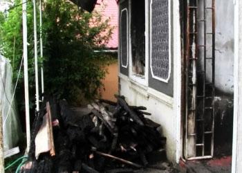 В Единцах двое молодых людей ограбили дом, а затем решили его поджечь