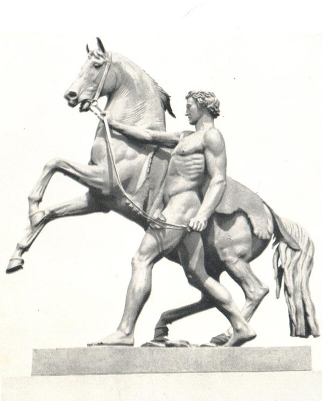 Скульптурная группа на Аничковом мосту