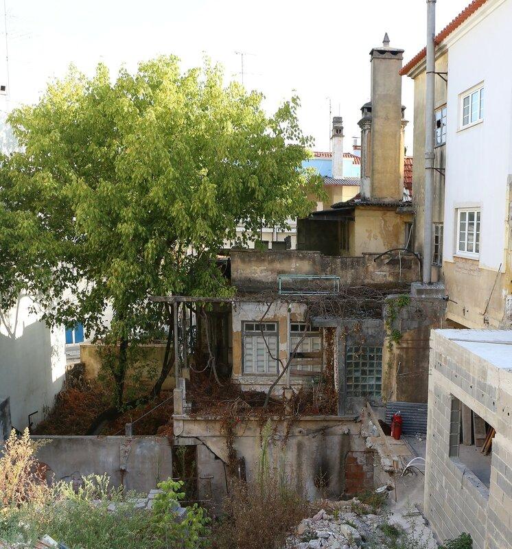 Leiria. Old house with a terrace