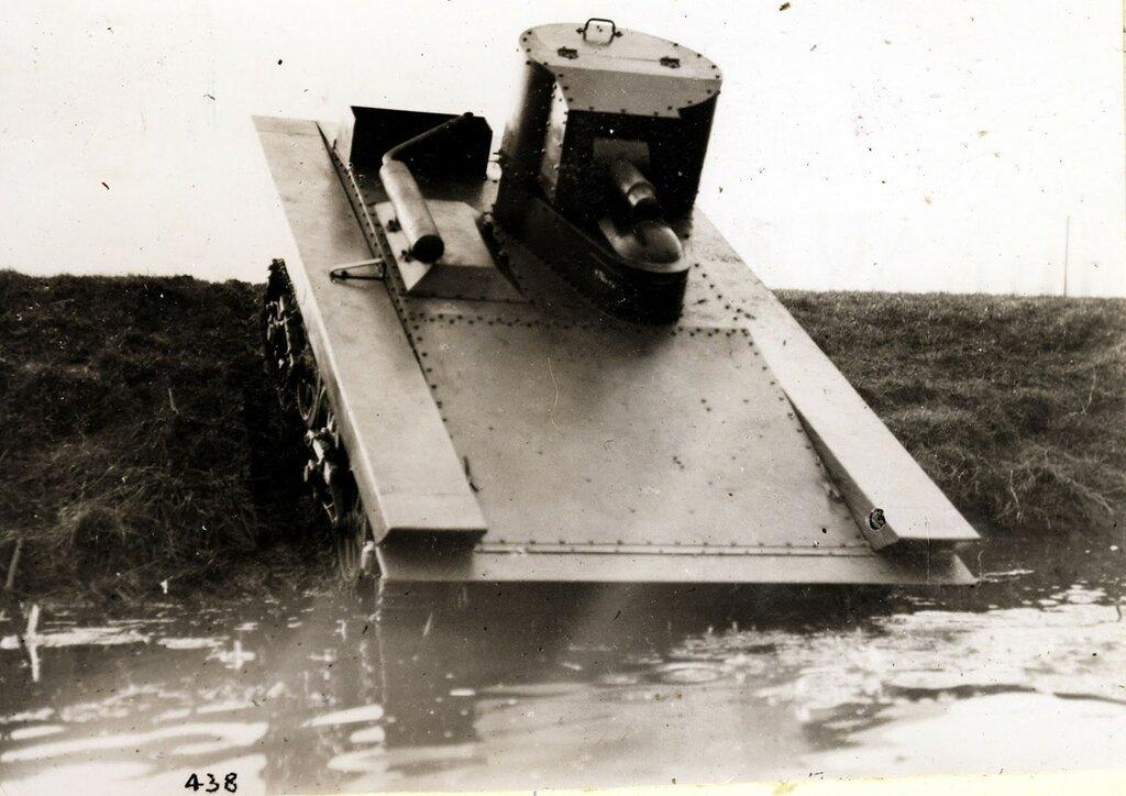 Light Amphibious Tank A4E12