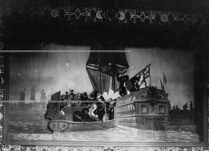 """""""Гангутская битва"""" - сцена из постановки живых исторических картин."""