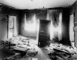 Комната дачи П.А.Столыпина на Аптекарском острове после взрыва.