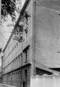 Завод по производству телеграфного оборудования. Вид здания завода на Аптекарском острове.