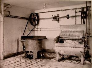 Вид части помещения прачечной  в доме призрения для увечных воинов.
