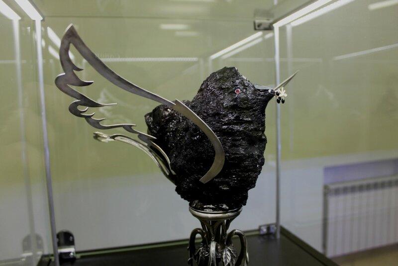 Голубь мира из угля