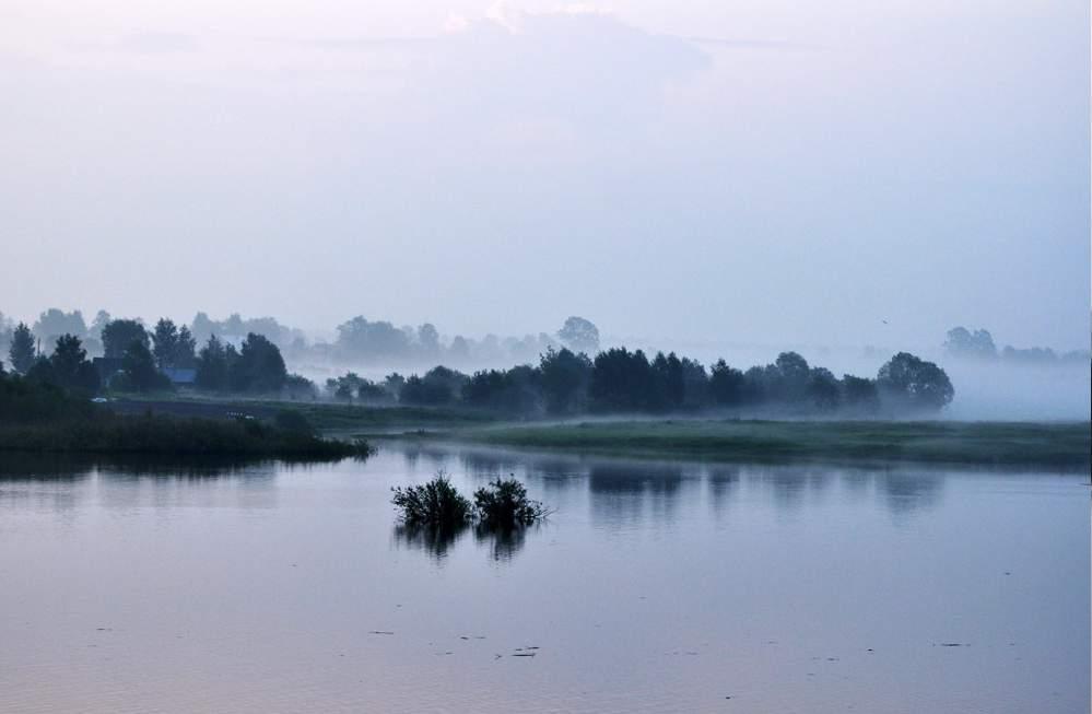 Река в топорне