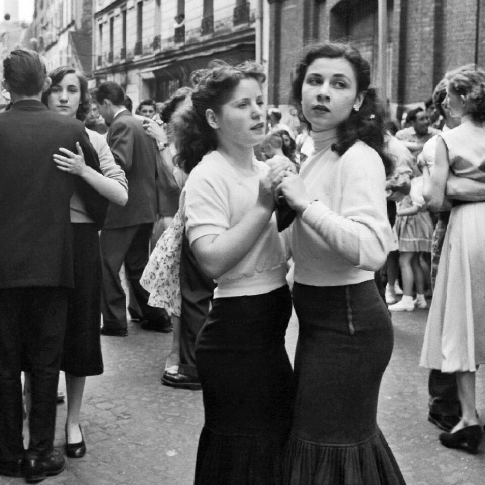 1956. Празднование 14 июля на парижских улицах