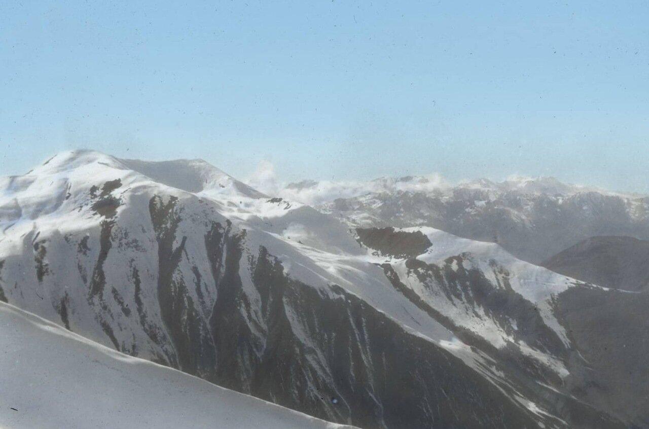 Вид Кавказских гор