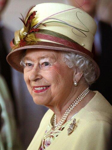 Королева Елизавета II 2014-07-02.jpg