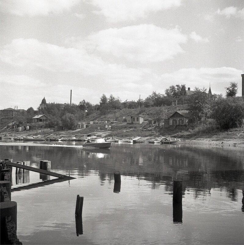 Фрумгарц МИ Омь у моста Левый берег 1969-76 2.jpg