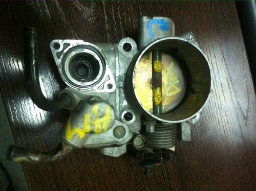 Заслонка дроссельная Hyundai Terracan 01-06/Kia Sorento 02-06 (контрактная)