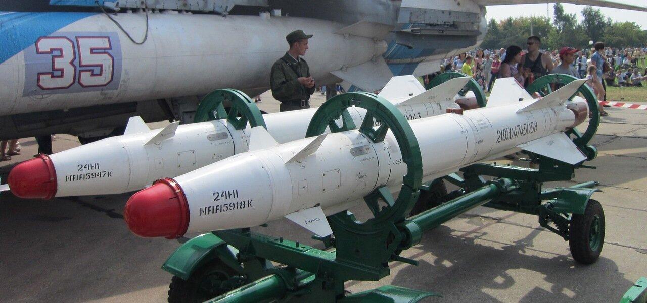 Ракеты с лазерным наведением Х-25МЛ (15.08.2014)