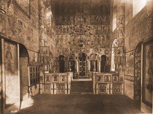 Вид каменного иконостаса в церкви Воскресения. Ярославская губ.