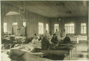 Больные в холерном бараке для беженцев