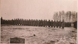 Георгиевские кавалеры встрою во время праздника на перевязочно-питательного пункта №18, организованного отрядом Красного Креста В.М.Пуришкевич.