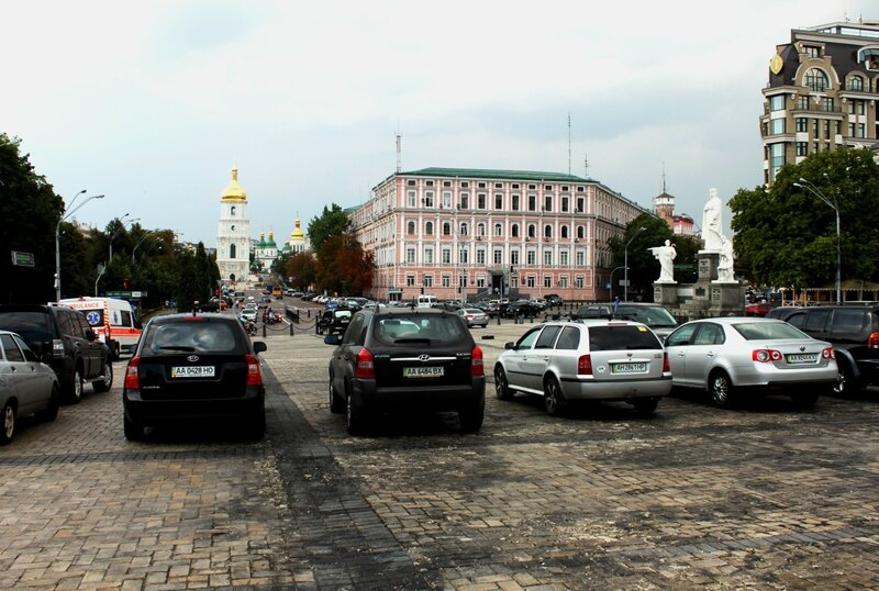 Стоянка на Михайловской площади