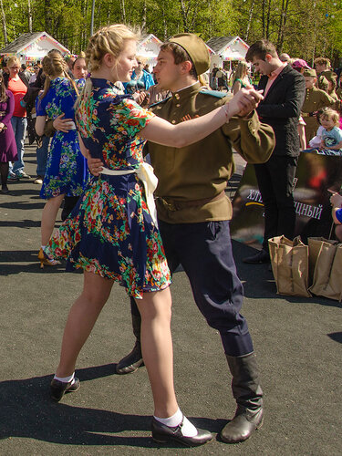 Наши танцы - ветеранам !
