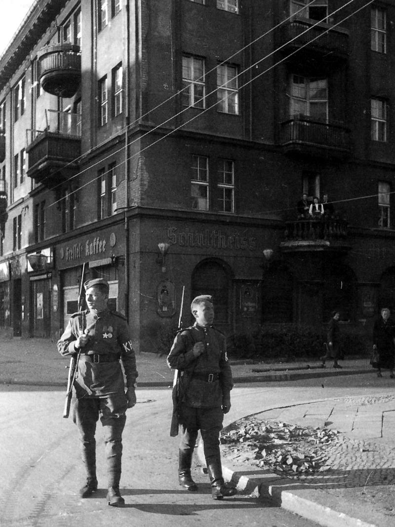 Падение Берлина на фотографиях весны 1945 года (39)