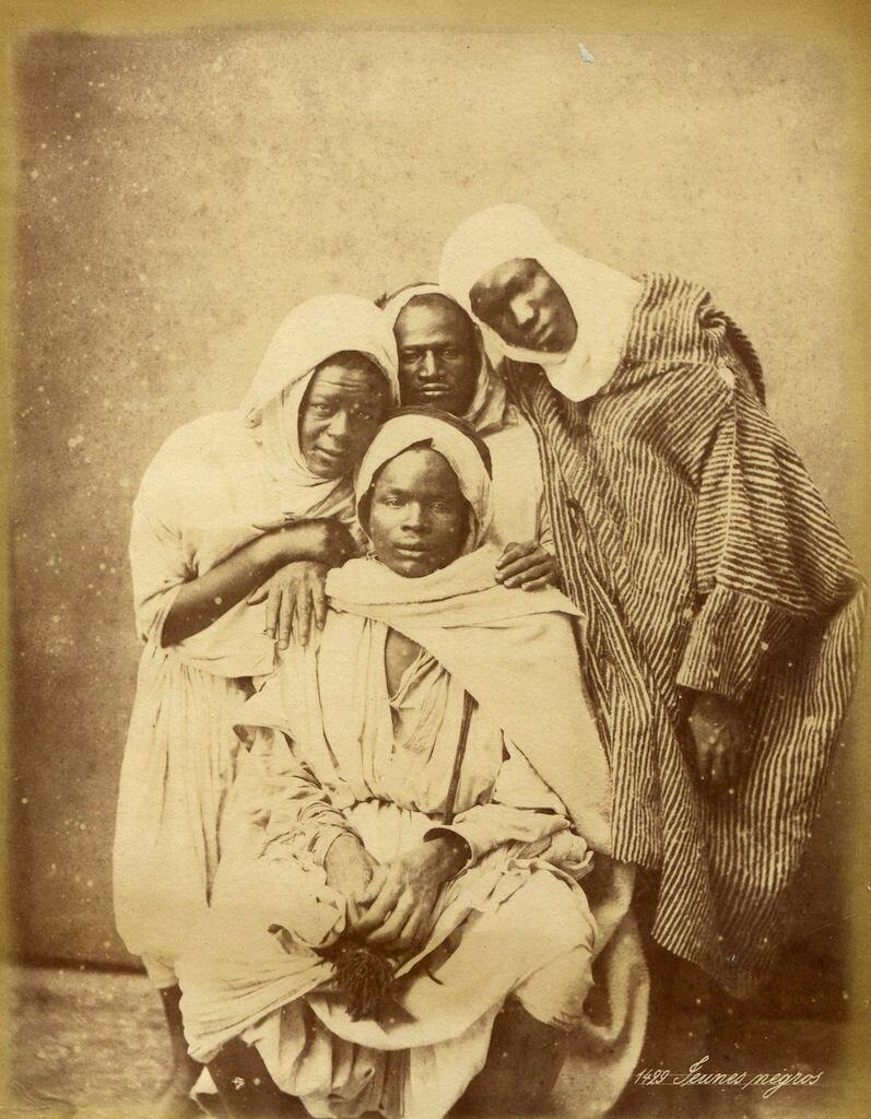 1875. Молодые негры.