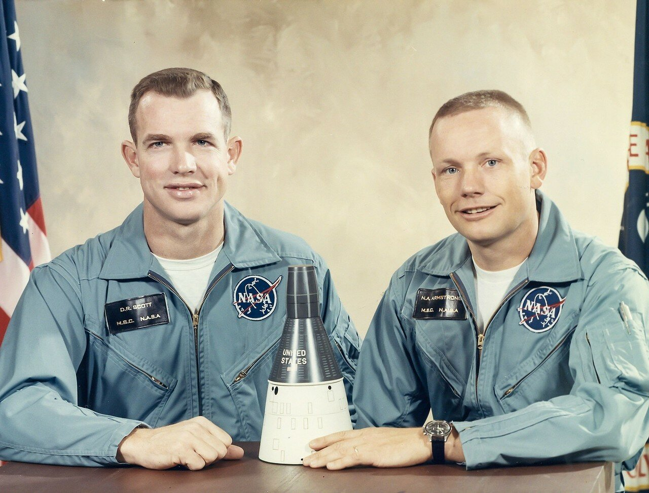1966, март. Астронавты Нил Армстронг и Дэвид Скотт, Джемини-8. Экипаж совершил первую в мире стыковку в ручном режиме.