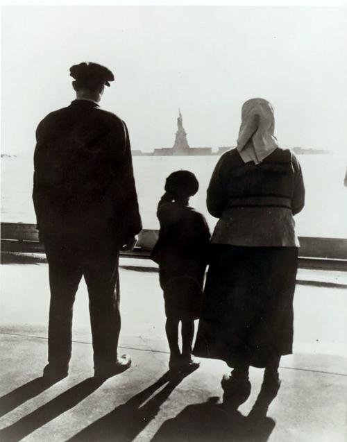 Ellis Island, JR.png