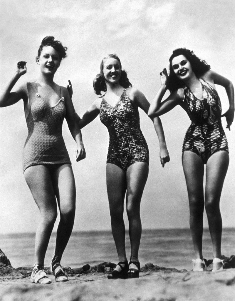 Танцы на пляже эротика фото 785-426