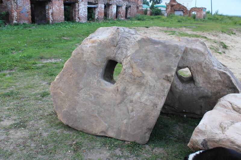 Каменные якоря.