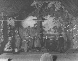 "Репетиция спектакля ""Закон дикаря"" по пьесе М. П. Арцыбашева."