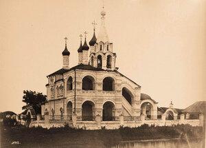 Вид северо-западного фасада Троицкой церкви.