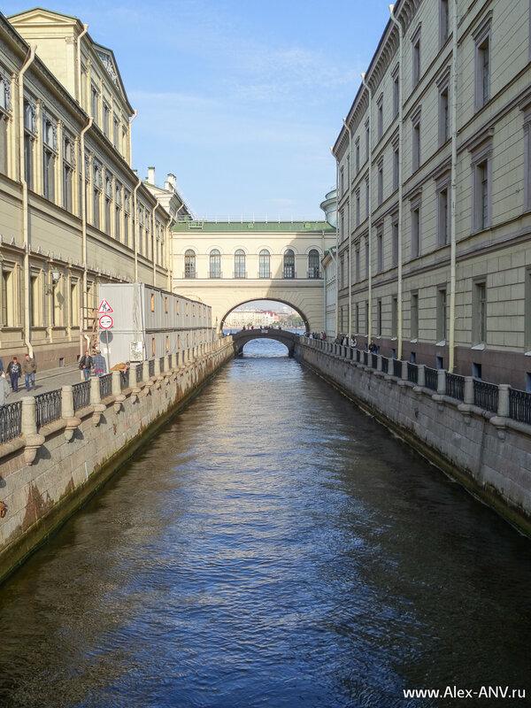 Зимняя канавка, вид с 1-го Зимнего моста