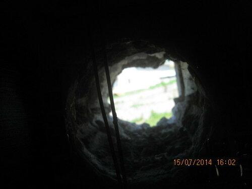 Свет в конце воздуховодного тоннеля. Оптимистическое зрелище на фоне суровых будней.