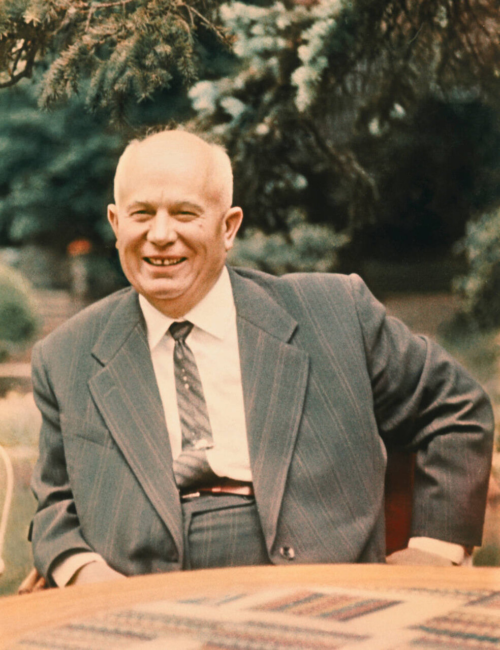 Бывший советский премьер Никита Хрущев в своем московском доме