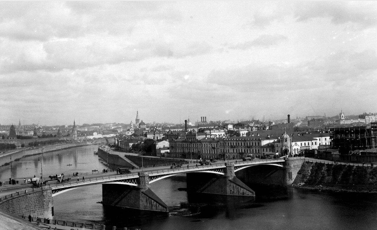 13.Большой Каменный мост