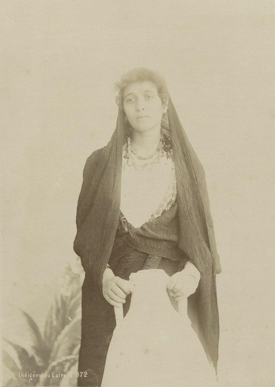 Портрет женщины с кувшином