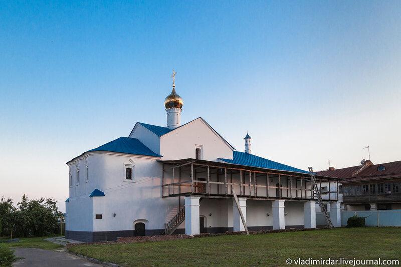 Сретенская церковь васильевского монастыря в Суздале
