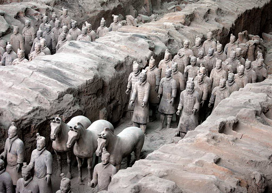 chinese artifacts essay Chinese culture reflects the customs and traditions of one of the largest countries in the world, with 134 billion people.