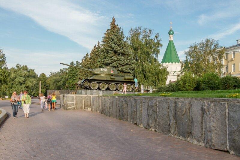 """Памятник """"Танк Т-34-85"""", Нижегородский кремль"""