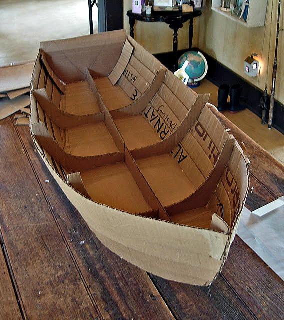 дно лодки корабля