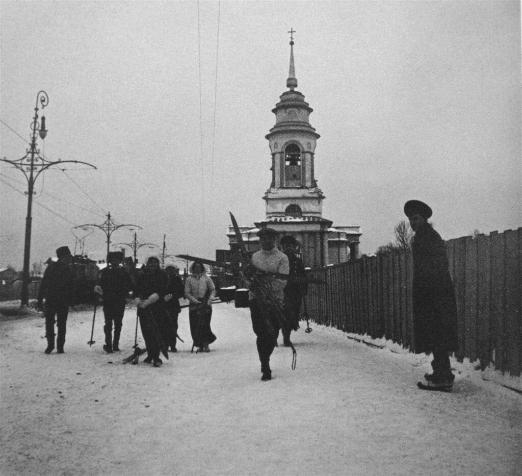 Лыжники 1913 Шухов.jpg