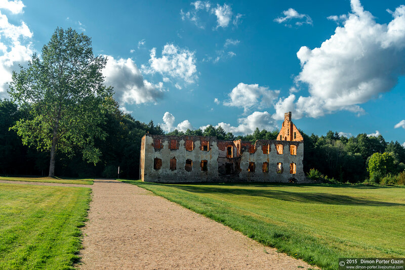 Литва. Руины Павловской республики