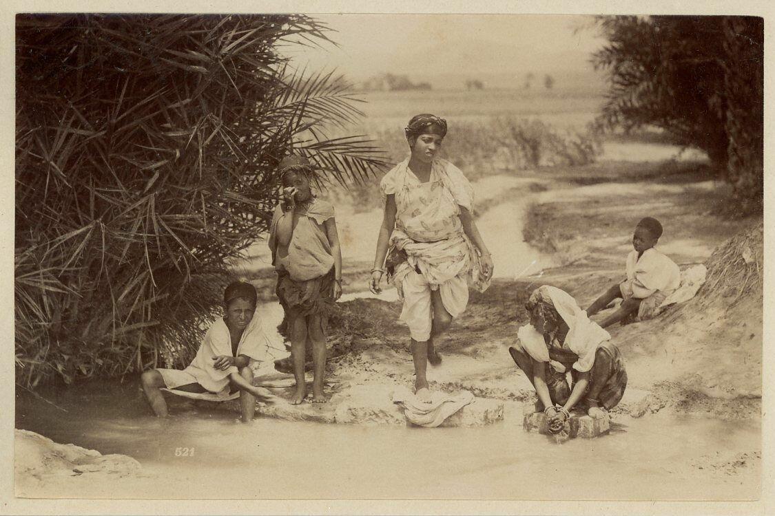 1880. Стирка белья
