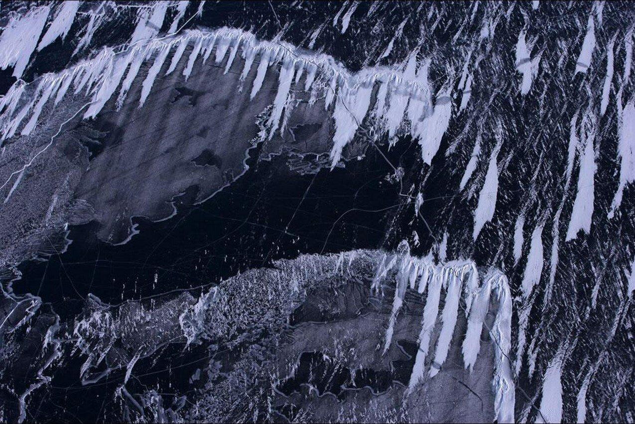 27. Замерзшее озеро Байкал