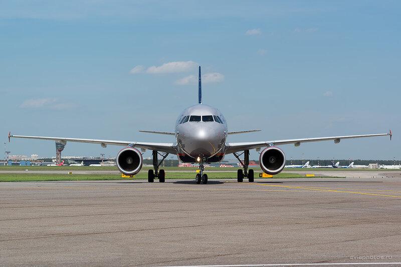 Airbus A320-214 (VQ-BIT) Аэрофлот D805948