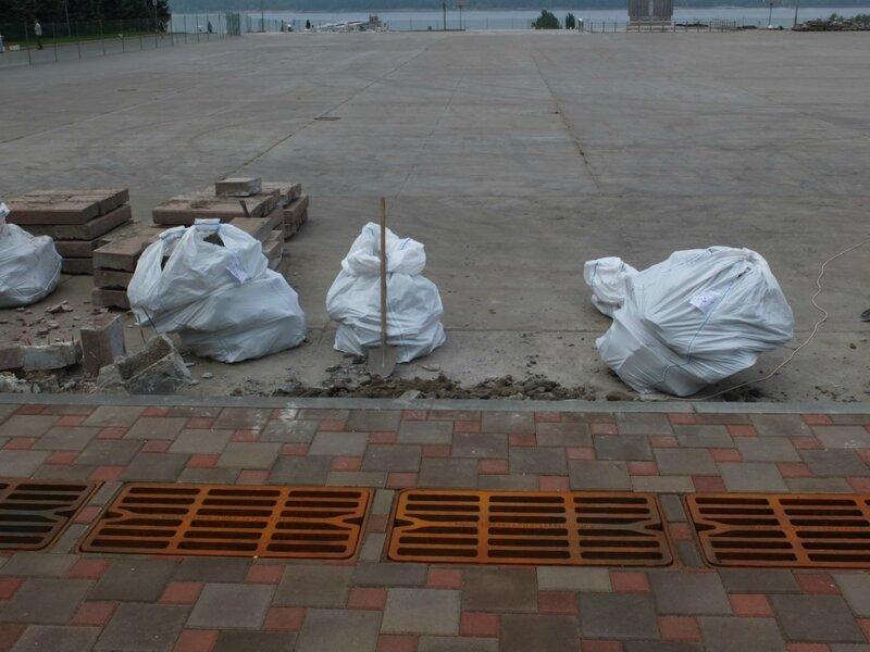Ремонт пр. Ленина, монумента, ярмарка на пл. Куйбышева 053.JPG