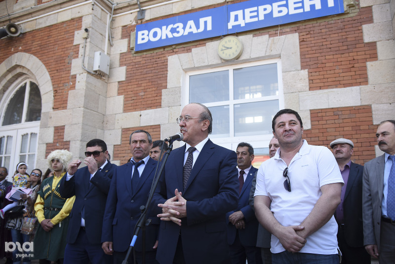 Руководитель Дербента Имам Яралиев подал вотставку