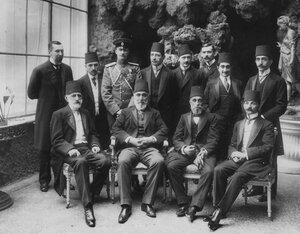 Сотрудники посольства.