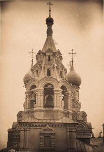 Вид верхней части колокольни церкви Николая Чудотворца в Пыжах (колокольня построена в 1691-1692 гг.). Москва г.