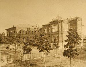 Вид здания лазарета со двора