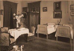 Вид части комнаты сестер милосердия в помещении госпиталя..